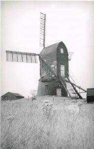 (8) Wrawby 1930's R Bates